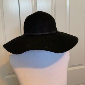 BNWT NORDSTROM black felt hat